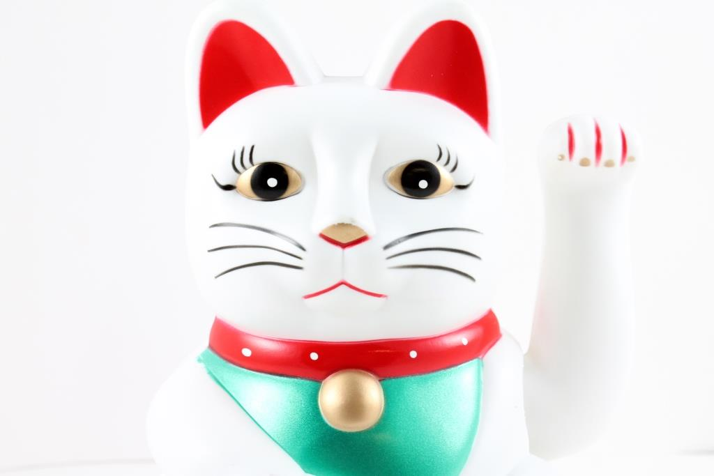 "6"" Beckoning Cat (White)"